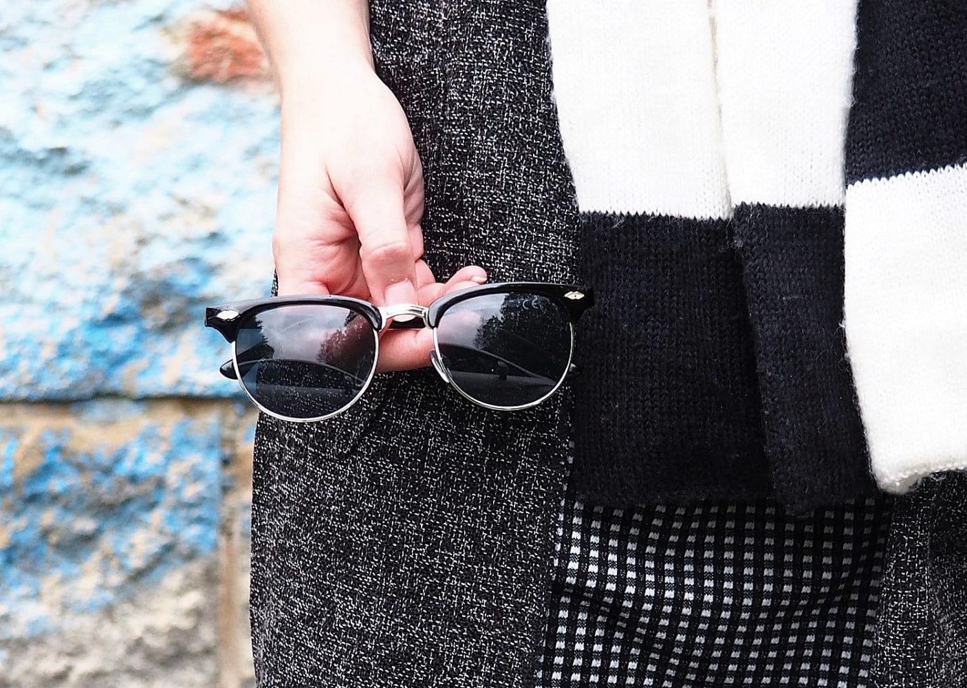 7 Girls 7 Styles | Schwarz-Weiß mit Lederleggins