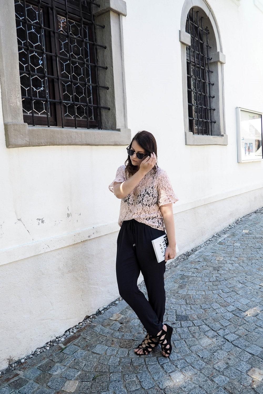 Style Seven | Rosa Spitzentop und was sonst noch wichtig ist
